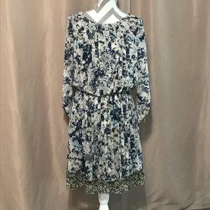 Size 6 Nine West modest floral dress